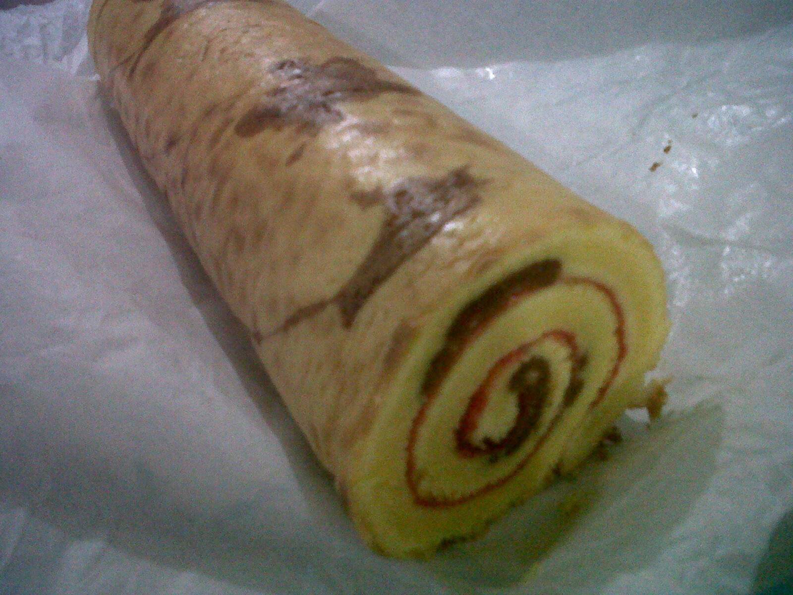 swiss roll write up Home » recipes » cakes » swiss roll cake with strawberries and cream and begin to slowly roll up the swiss roll cake until the whole cake is rolled.