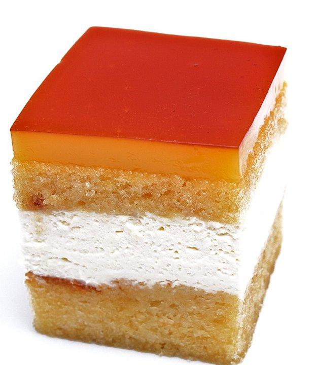 Cake De Merengue Cubano