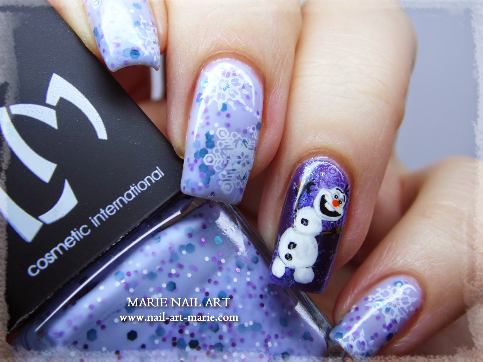 nail art reine des neige Olaf9