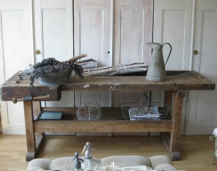 Le style oude stoere werkbank - Oude stijl keuken wastafel ...