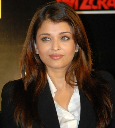 Aishwarya Rai Latest Romance Hairstyles, Long Hairstyle 2013, Hairstyle 2013, New Long Hairstyle 2013, Celebrity Long Romance Hairstyles 2134