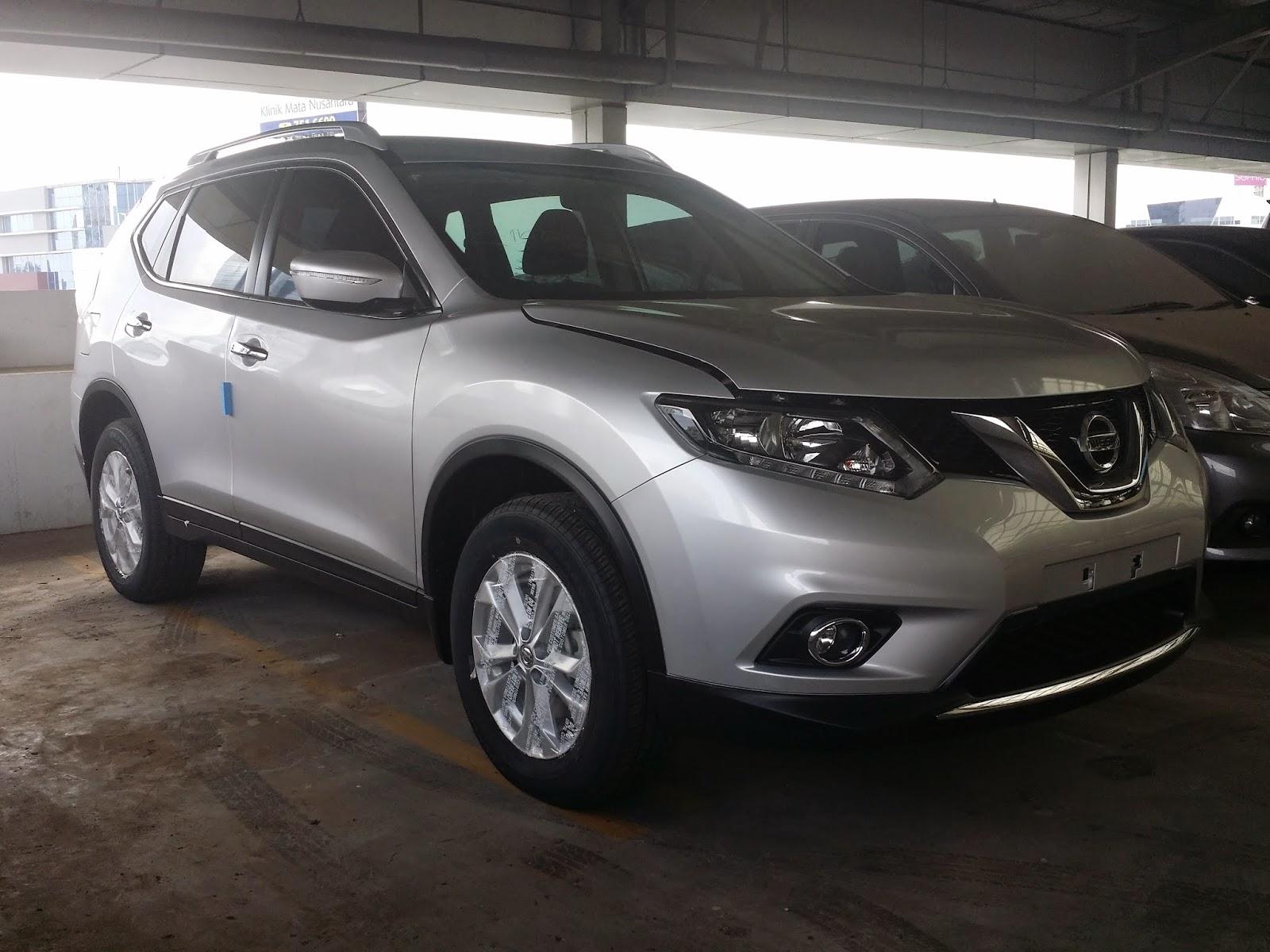 Nissan New Xtrail warna Silver