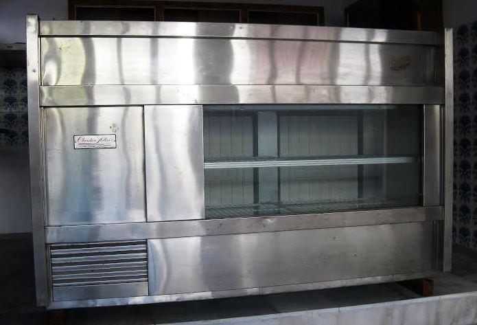 Πωλείται επαγγελματικό ψυγείο