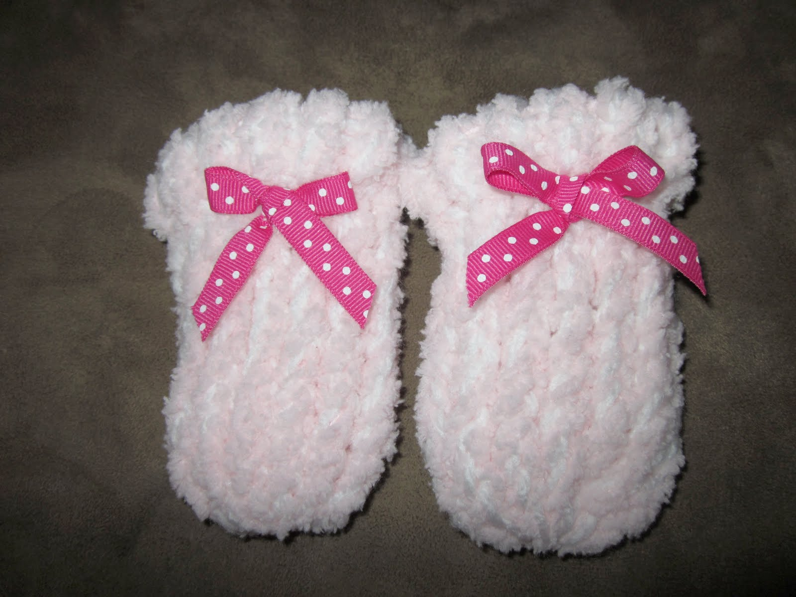 Basic Knitting Pattern For Baby Mittens : Tricks of the Trade: Loom Knitting, Newborn Baby Hat ...