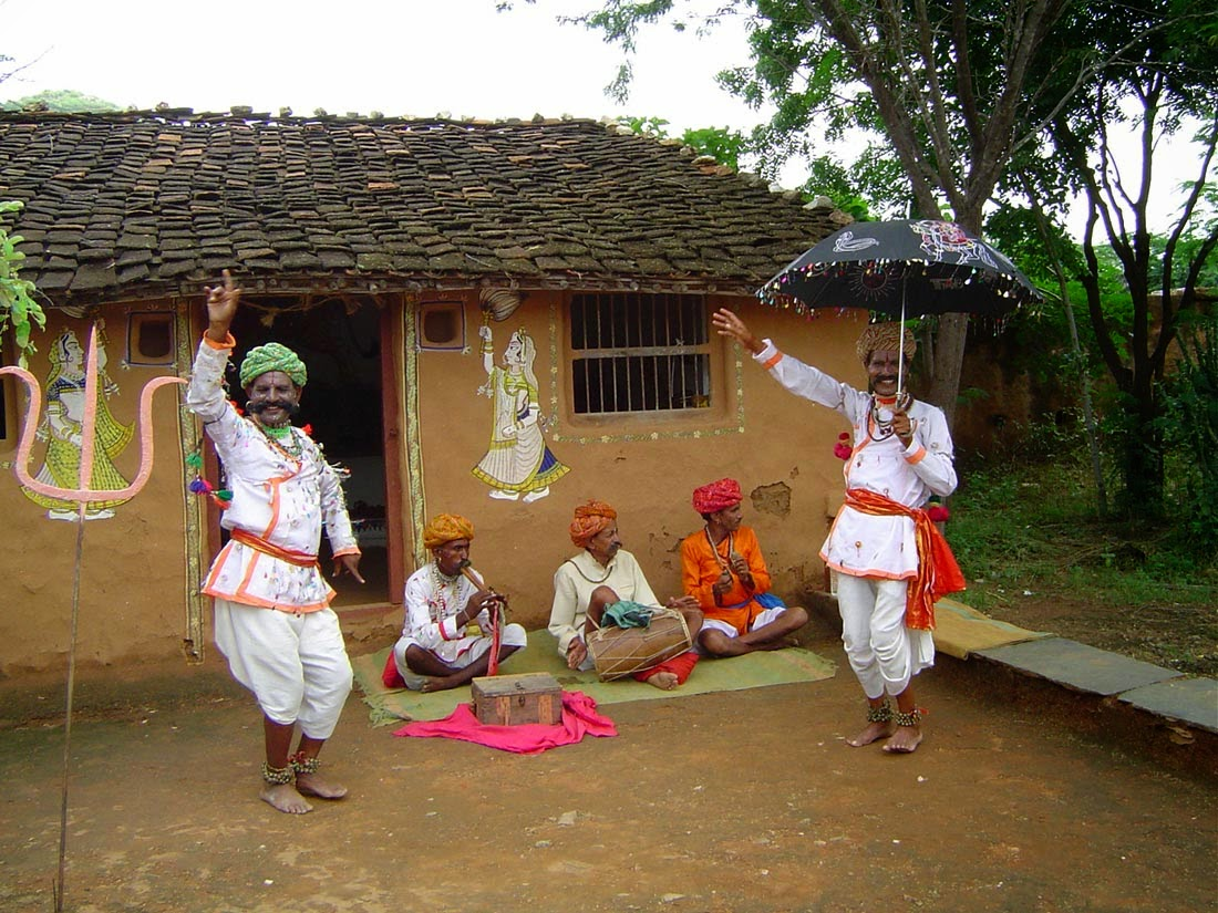 village life and city life in india This presentation is about cities and villages what is the difference in people's life who live in big cities and small villages  difference in city and village .