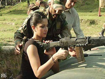 Katrina Kaif meets and entertains army jawans at Loc