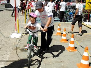 Projeto 'Adeus Rodinhas' faz sucesso com as crianças