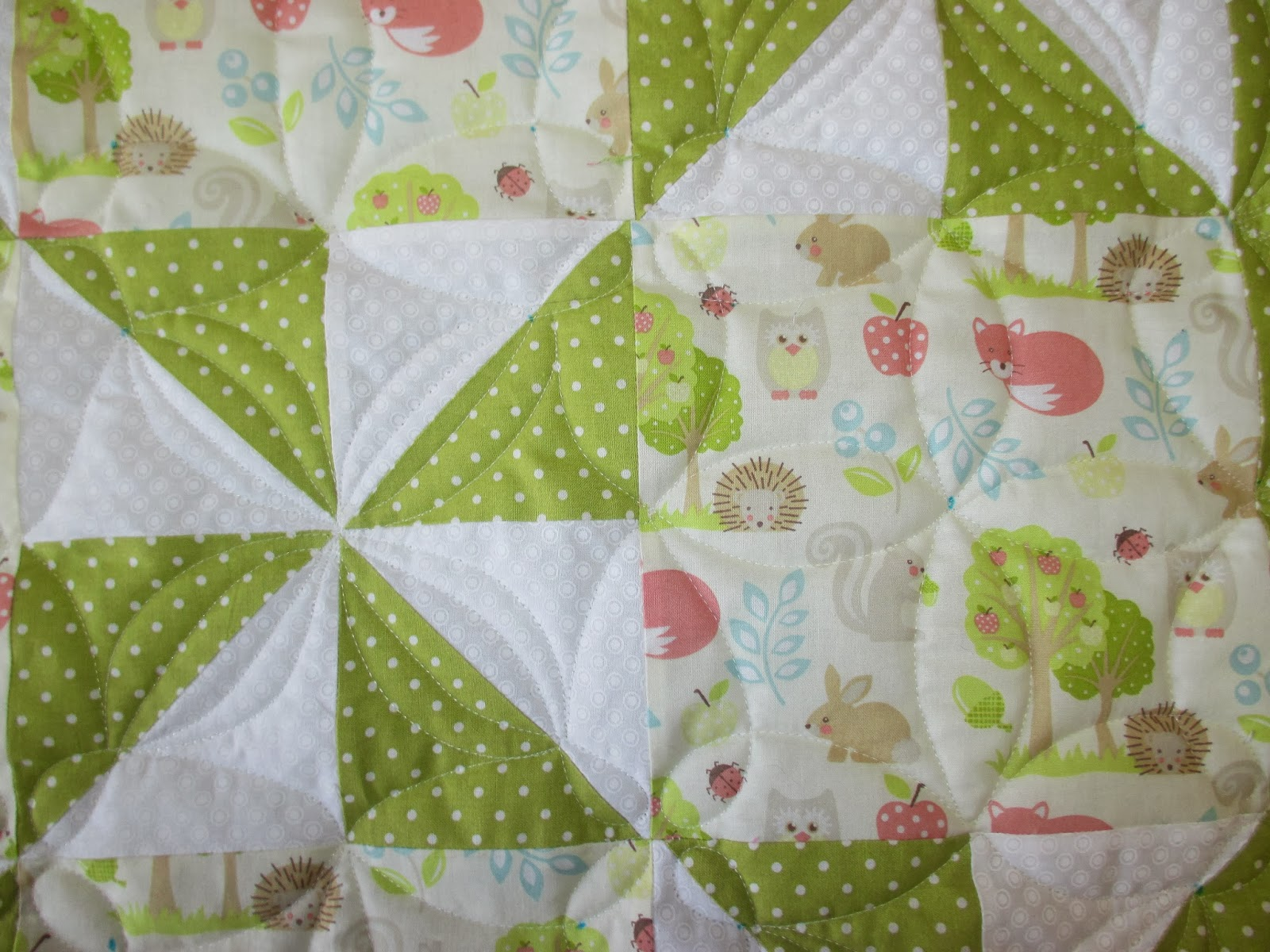 Down To Sew: Pinwheel Baby Quilt