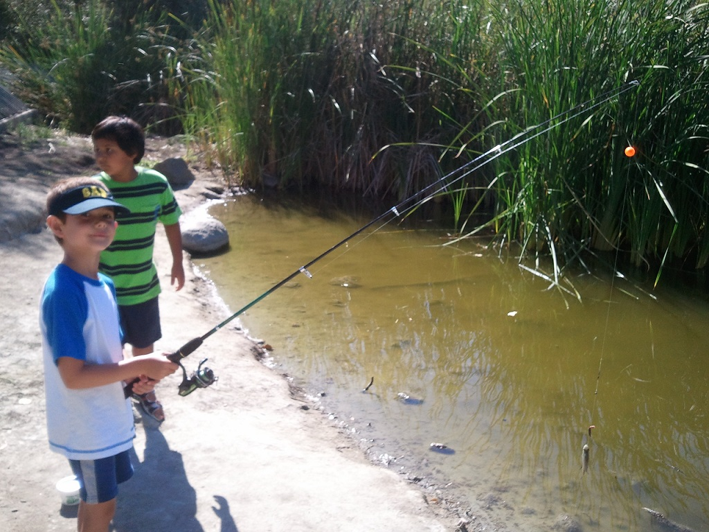 One boy one girl for Thomas goes fishing
