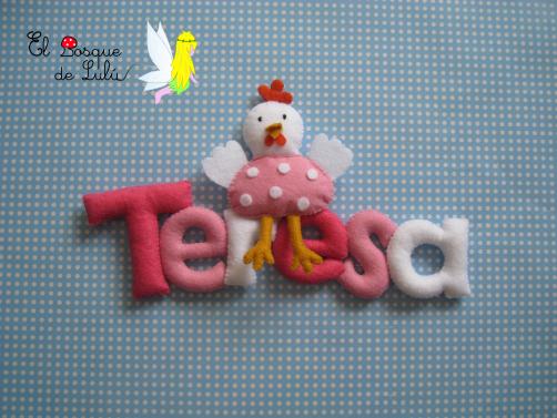 nombre-en-fieltro-Teresa-decoración-infantil-hecho-a-mano-detalle-nacimiento-regalo-personalizado-name-banner