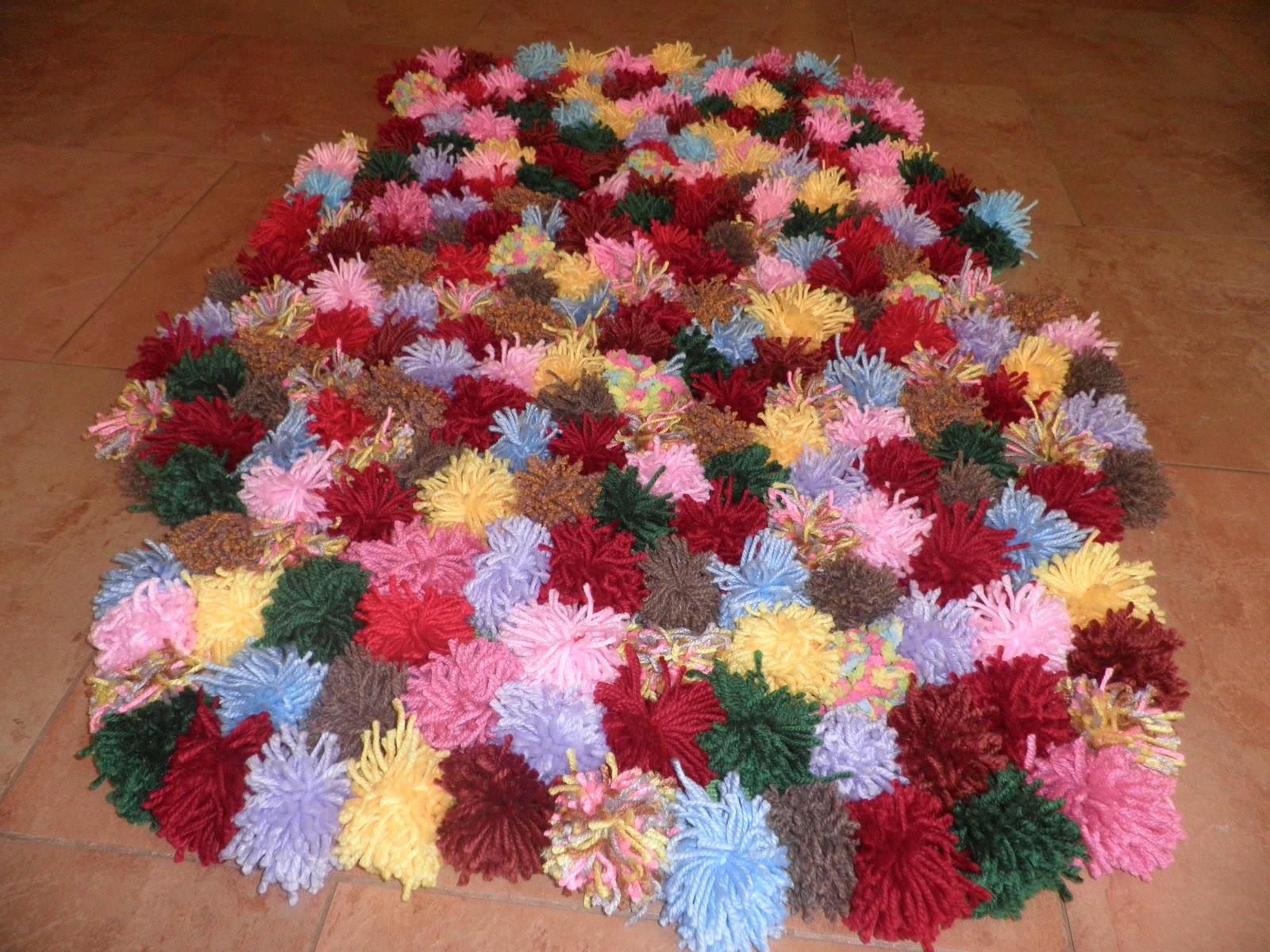 olga alvarado alfombra de pompones de lana