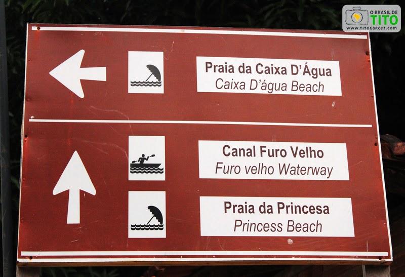Placa de sinalização turística na vila do Algodoal, na ilha de Maianeua, no Pará