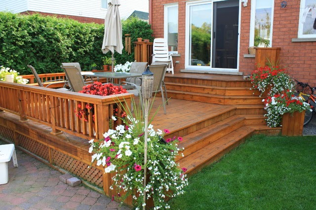 Patio and deck ideas for small home landscaping for Deck designs for small backyards