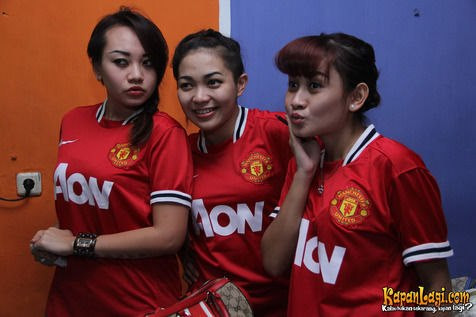 Manchester United girls from Indonesia