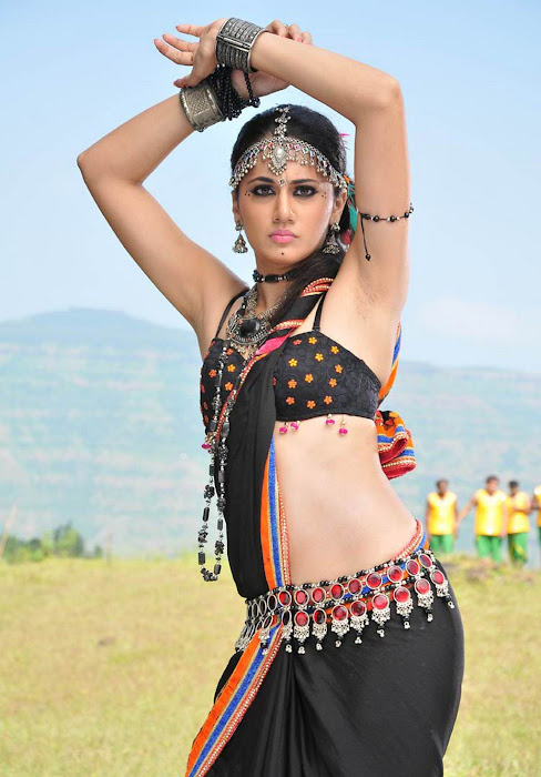 tapasee pannu armpit movie photo gallery