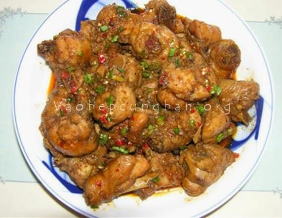 Cách làm thịt gà xào sả ớt