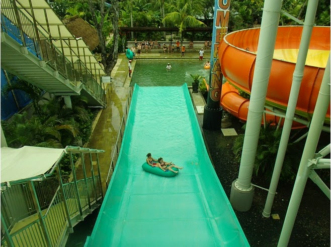 hither y'all tin play similar a slide amongst the tires Beaches in Bali: Waterbom Park - Boomerang Kuta Bali