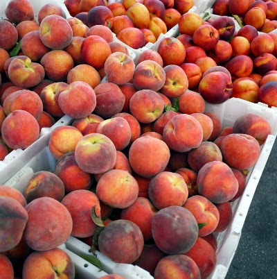 farmer's market peaches and nectarines