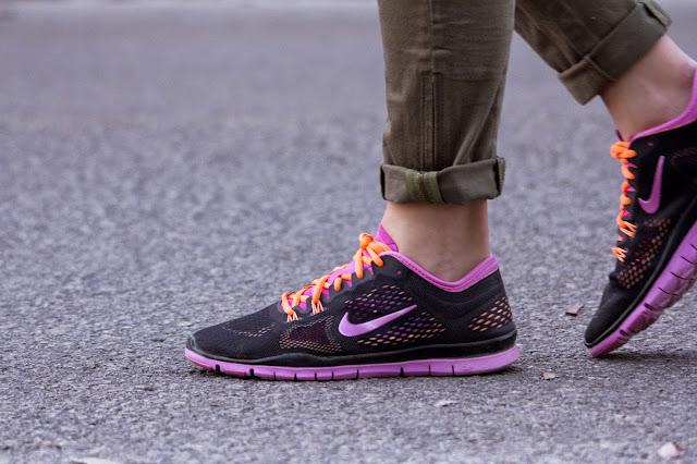 running nike free pink