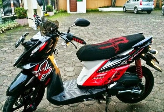 Modifikasi Motor Yamaha X-Ride Warna Hitam