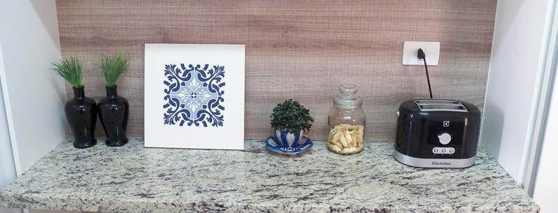 quadrinho de mdf e azulejo adesivo