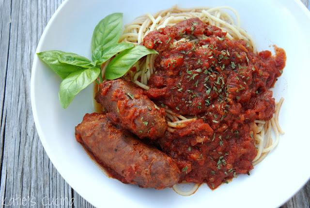 {Crock Pot} Fresh Tomato Sauce with Italian Sausage