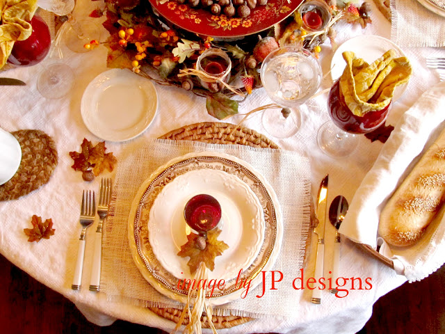 alt=&quot;Fall Thanksgiving table setting&quot;