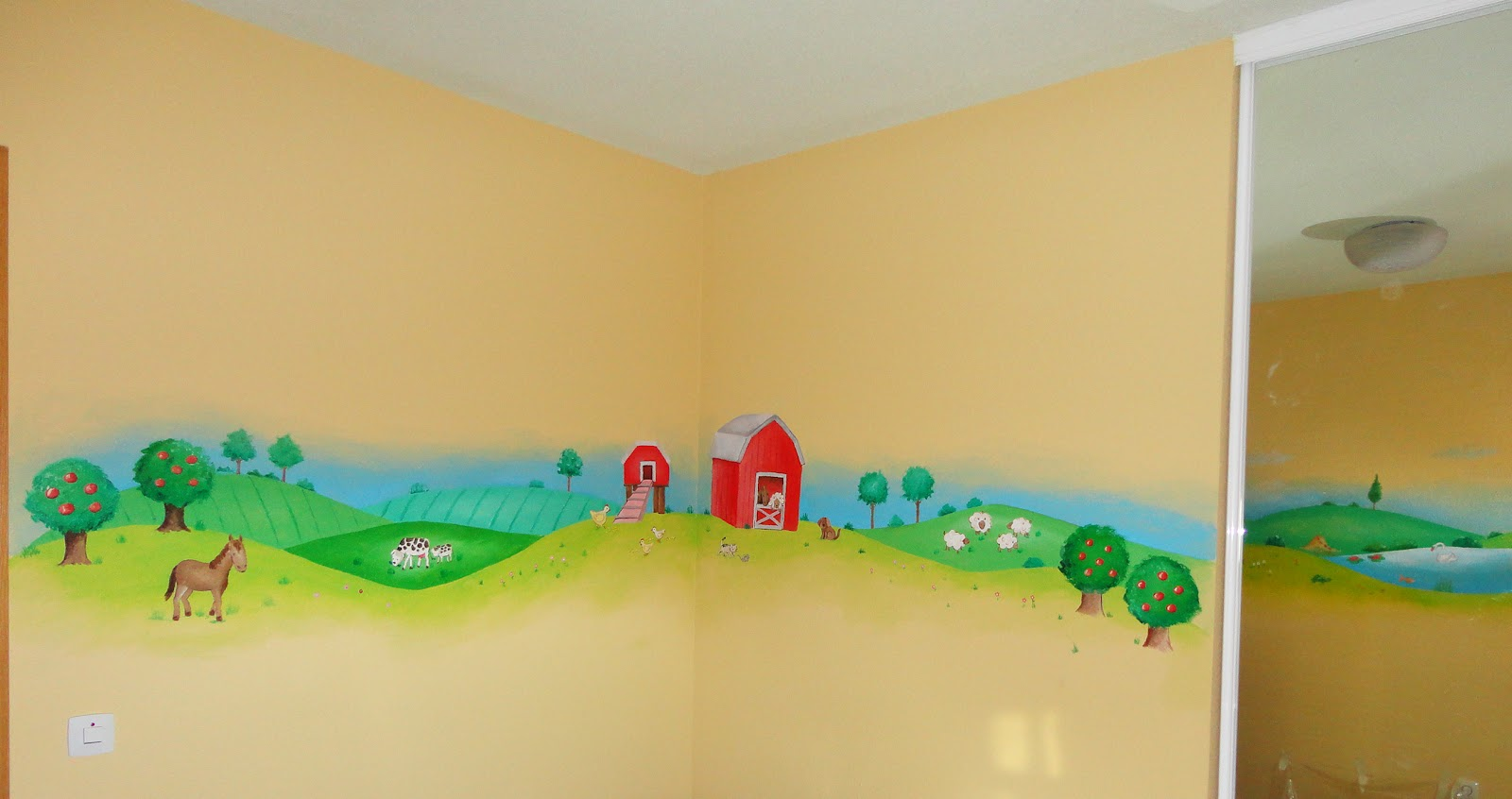 Decopared mural paisaje con granja en cuatro paredes for Como pintar un mural infantil