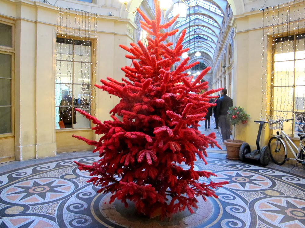 red coloured Christmas tree in Galerie Vivienne, Paris