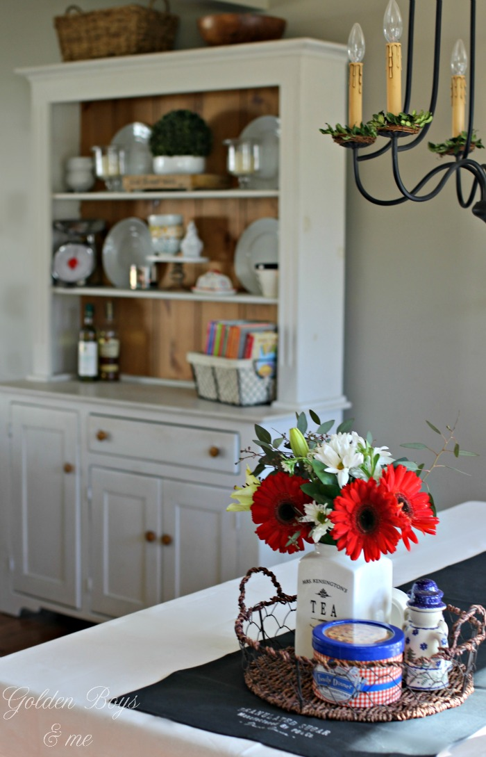 Farmhouse style hutch - www.goldenboysandme.com