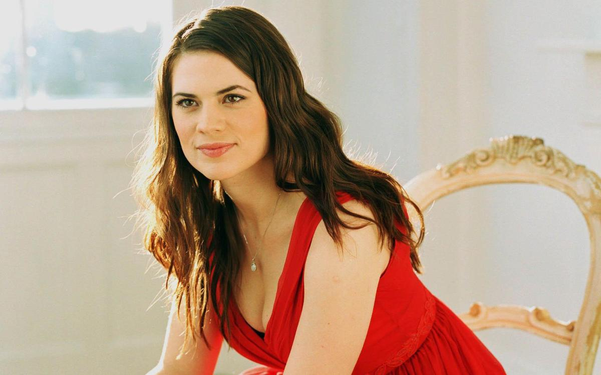 Hayley Atwell, Foto Artis Cantik 1