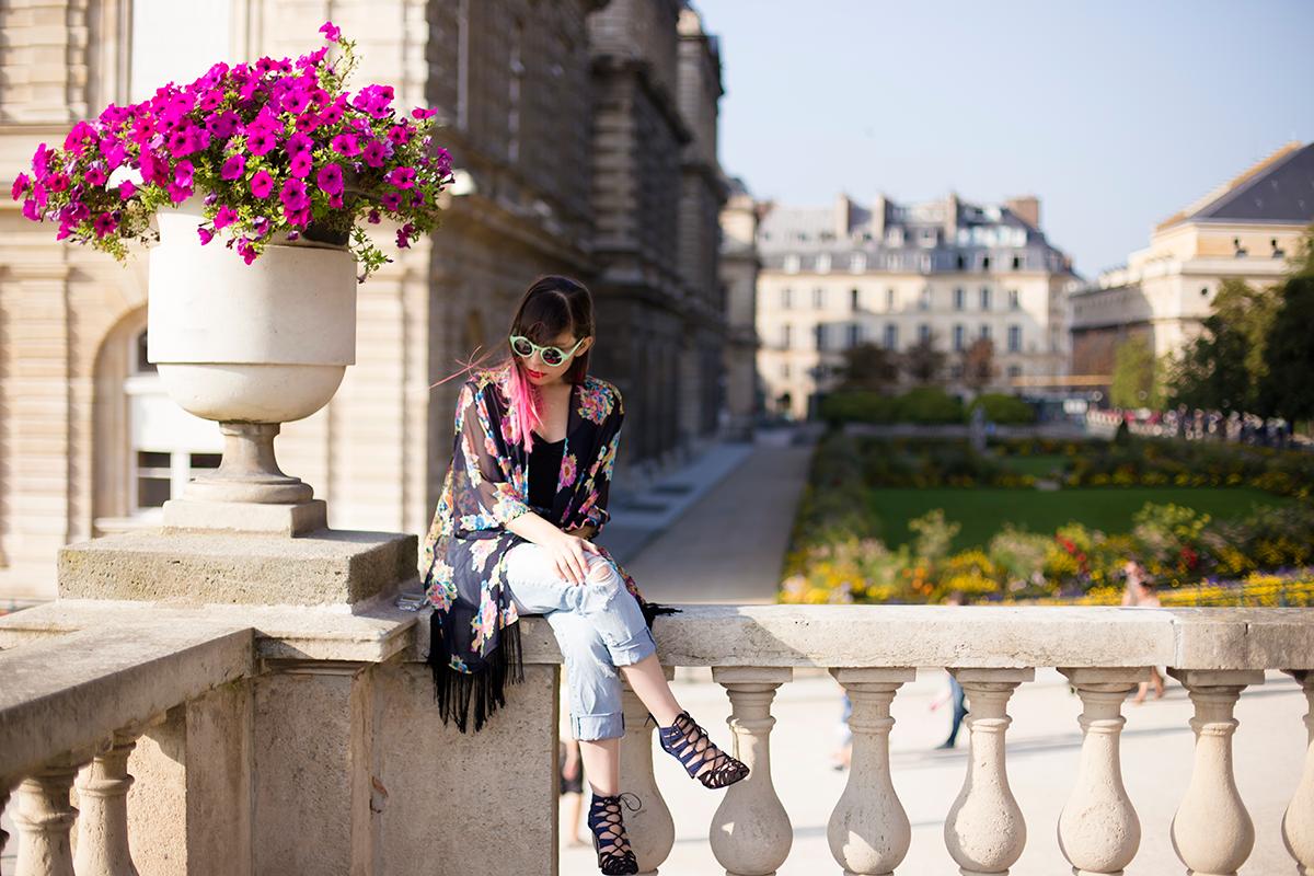 Ambitieuse Blog Fashion Outfit Electric Tones Paris Photoshoot