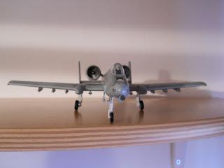 maqueta a escala 1/72 del avión antitanque A-10 Thunderbolt II