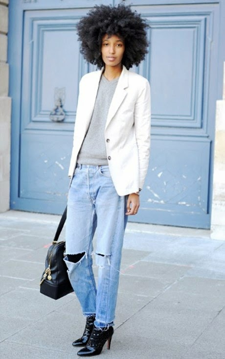 julia_sarr_jamois_street_style_ripped_jeans