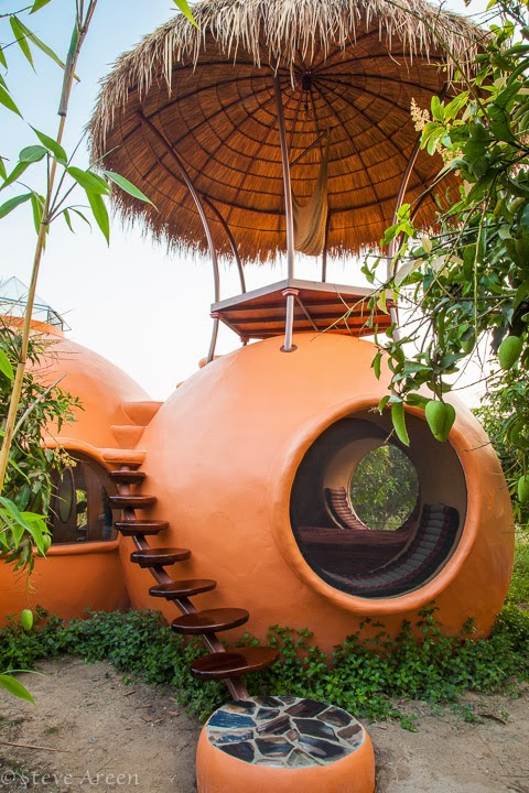 13-Roof-4-Steve-Areen-Hajjar-Gibran-Dome-House-Design-www-designstack-co
