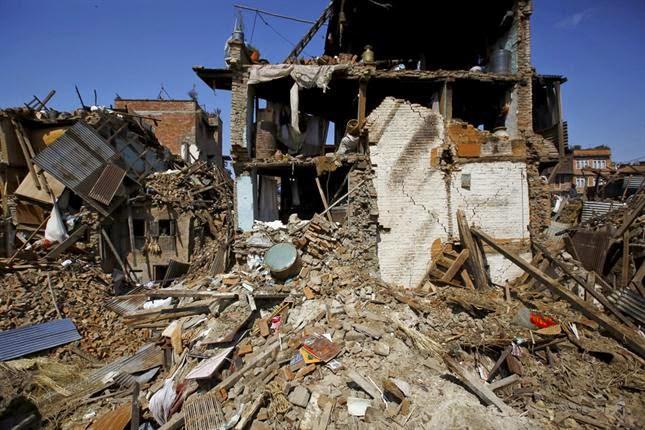 DRONE REVELA LA DEVASTACION EN NEPAL