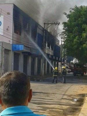 Incêndio em fábrica de sapatos em Nova Serrana