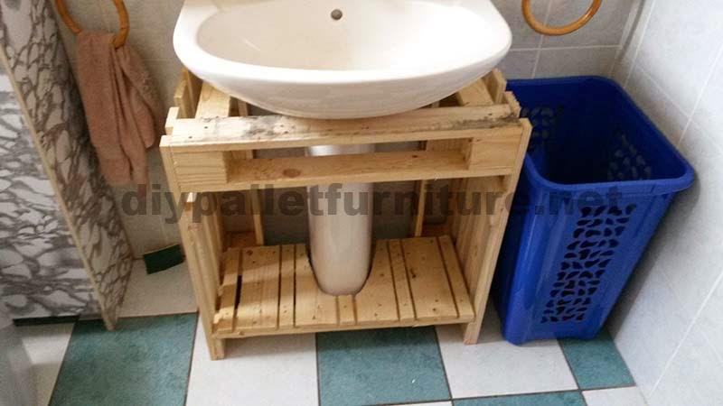 Estanteria Para Baño Con Palets: mostramos unas cuantas fotos con el proceso de montaje de los muebles