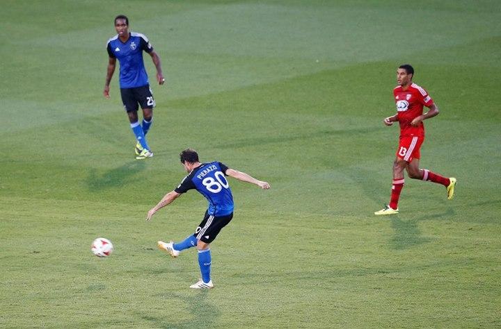 San Jose Earthquakes midfielder Jean-Baptiste Pierazzi shoots to score against FC Dallas