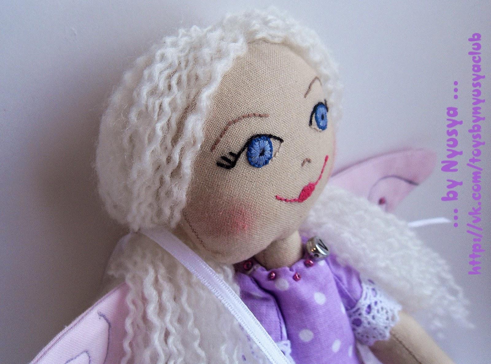 вышитое лицо у куклы