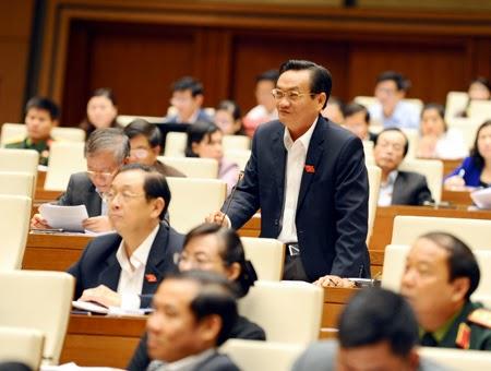 """Đại biểu Trần Du Lịch: """"Bấm nút cho Long Thành là một quyết định khó khăn"""" (ảnh: Minh Thanh)."""