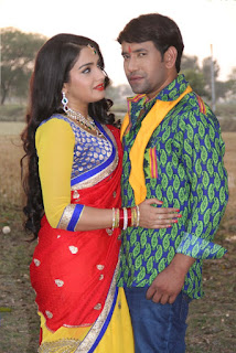 Dinesh Lal Yadav Nirahua and Amrapali Dubey film Nirahua Rikshawala 2 Bhojpuri Movie Shooting stills Picture 4.jpg