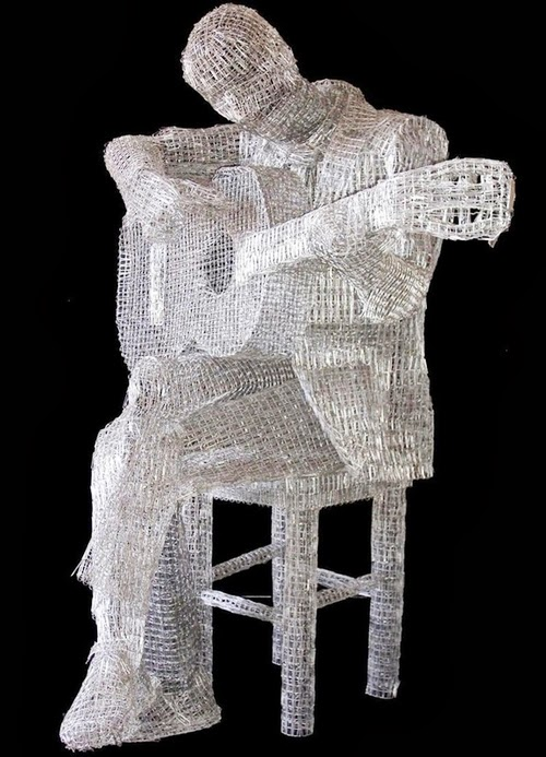13-My-Favourite-Song-Italian-Artist-Pietro-DAngelo-Paper-Clips-Sculptures-www-designstack-co