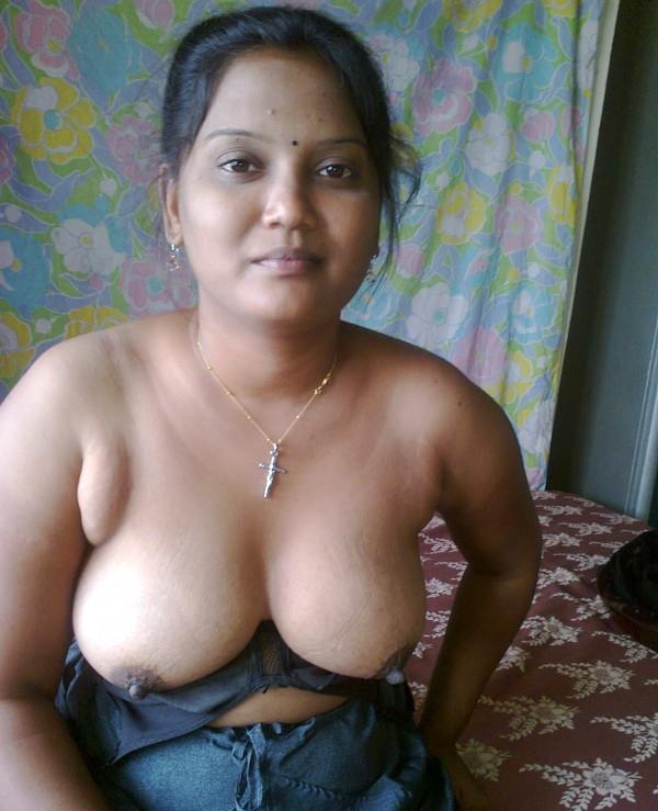 Nude Indian Girls Bath