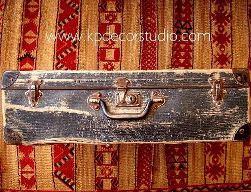 Comprar maletas antiguas estilo vintage y nórdico. Maleta de cartón piedra original
