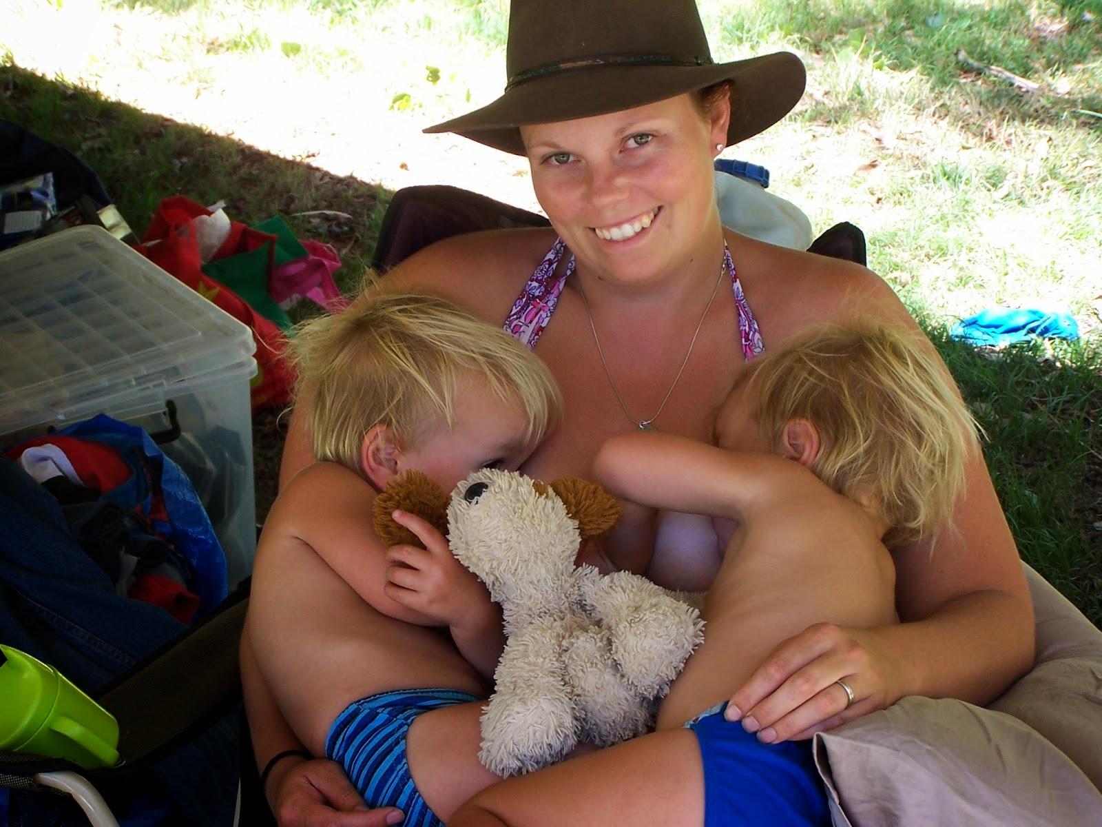 Breastfeeding the older baby. Weaning. Breastfeeding Twins