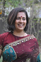 Lakshmi Ramakrishnan hot in Transparent saree