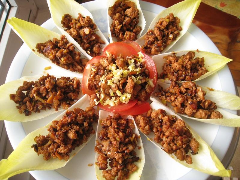 Kazuo: Würziges Hackfleisch mit Rohkost (Szechuan-Küche) 生菜包肉