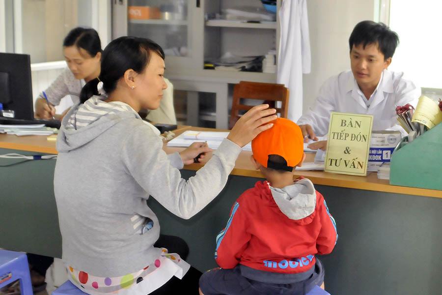 Gia Lai: Bỏ tiêm vắc xin - Lợi ít, hại nhiều