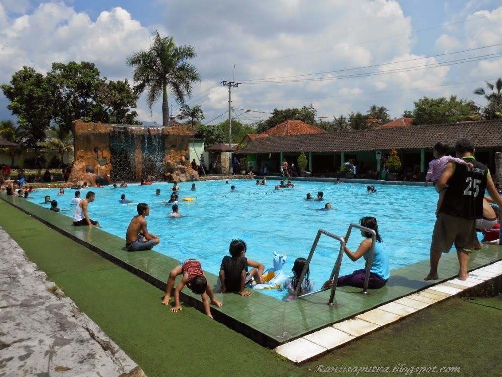 kolam renang 1 meteran